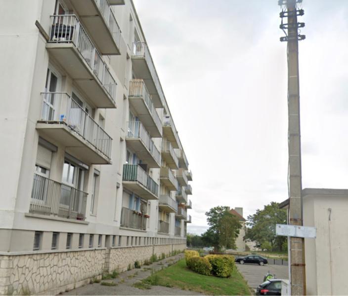 L'homme, qui n'est pas Spiderman, a chuté dans le vide en voulant enjamber le balcon de son voisin pour rejoindre le sien mitoyen - Illustration