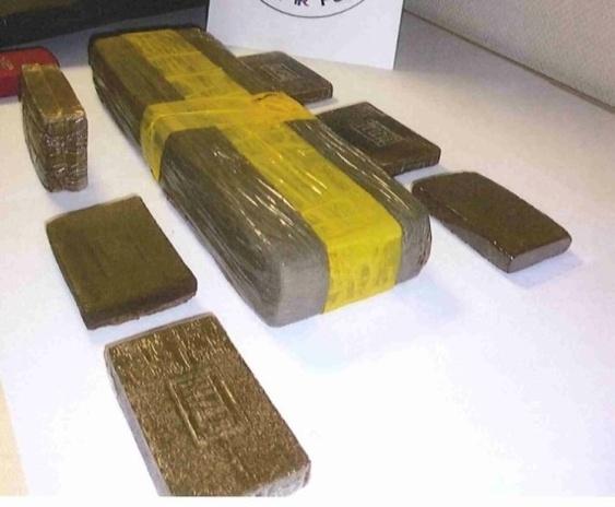 Trafic de drogue : la mère de famille dormait sur 2,5 kg de résine de cannabis !