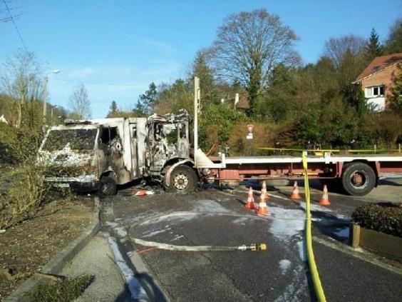 Les malfaiteurs ont percuté le fourgon blindé (photo d'illustration) avec un camion plateau volé dans l'Eure