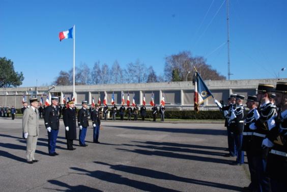 L'hommage aux gendarmes tués en service a été rendu dans la cour d'honneur du quartier Legros à Mont-Saint-Aignan