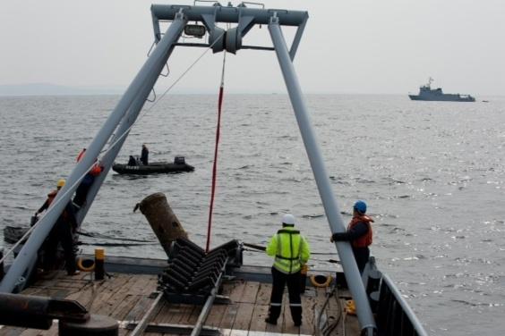 Une opération de déminage en mer sous haute surveillance