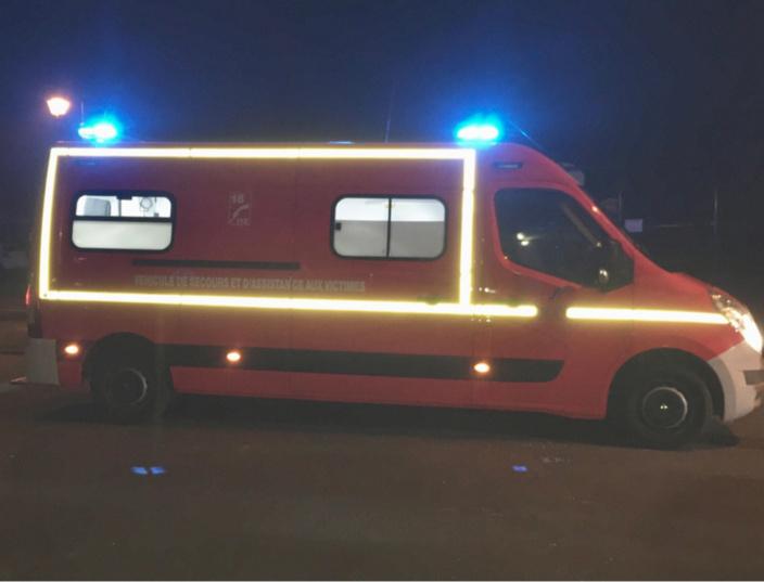 Les secours ont prodigué sur place les premiers soins d'urgence à la victime, avant de la transporter, médicalisée, au CHU de Rouen - Illustration © infoNormandie