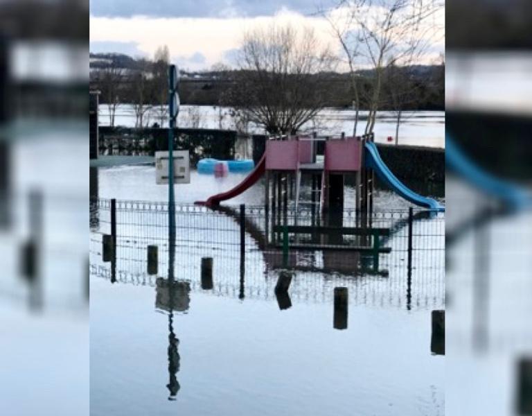 Ce lundi après-midi, le niveau de la Seine a atteint 5,25m, dépassant le seuil d'alerte à Mantes-la-Jolie - illustration @ infoNormandie