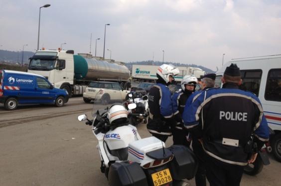 Trois cents gendarmes, policiers et CRS, ainsi que la police municipale sont mobilisés aujourd'hui et demain vendredi sur cette vaste opération de contrôles (photo Infonormandie.com)