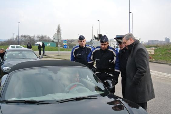 Cet automobiliste a été contrôlé au volant de sa Porsche à plus de 140 km/h au lieu de 70 sur le pont Flaubert. Le préfet est venu personnellement  lui rappeler les dangers de la vitesse (Photo Infonormandie.com)