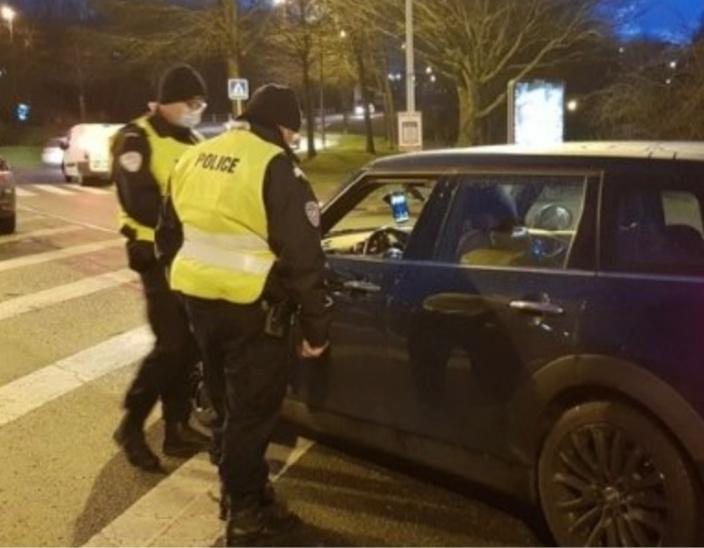 A Rouen, la police veille au respect du couvre-feu - Photo @ DDSP76