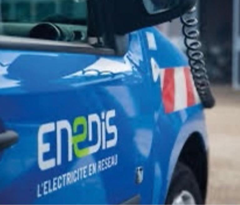 Les techniciens Enedis ont travaillé toute la nuit remettre en état les installations - illustration @ Enedis