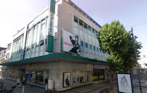 Le magasin Le Printemps est située rue Saint-Jean en plein centre ville de Caen (Google Maps)