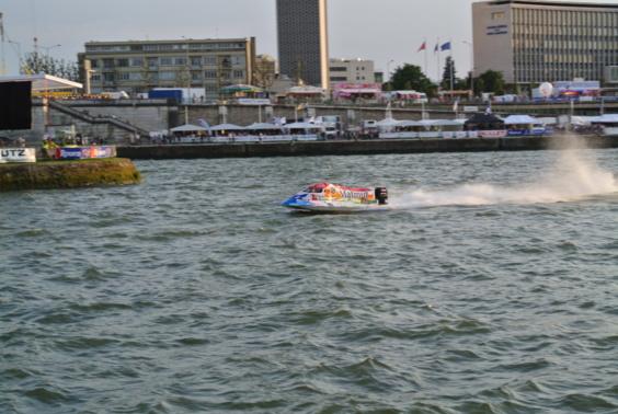 31 bateaux et 110 pilotes engagés dans la 50ème édition des 24 heures motonautiques de Rouen