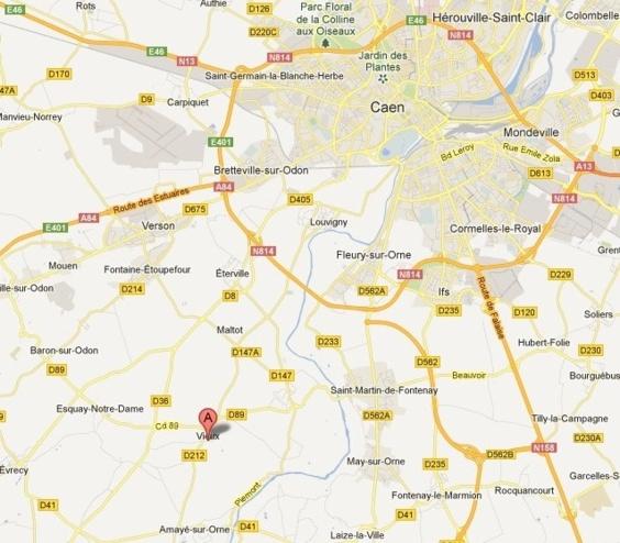 Vieux-la-Romaine est situé au sud-ouest de Caen, à environ une dizaine de kilomètres