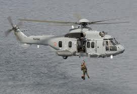 C'est à bord d'un hélicoptère EC-225 comme celui-ci que le septuagénaire a été évacué (Photo Marine nationale)