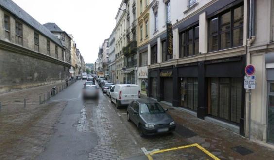 L'agression à l'arme blanche s'est déroulée à hauteur du 44, rue de la République en plein après-midi (Photo Google Maps)