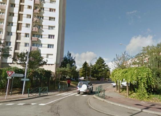 Le drame s'est produit rue des Merisiers, un quartier populaire du même nom de Mantes-la-Ville (Photo  Google Maps)