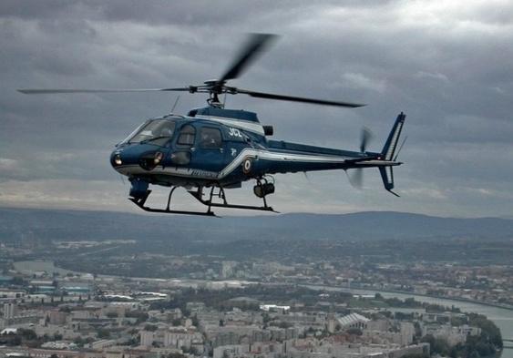 L'hélicoptère de la gendarmerie est d'un précieux secours dans les recherches de personnes disparues (Photo d'illustration)