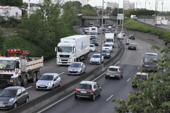 L'accident a généré un ralentissement sur près de 2 km en direction de Rouen (Photo Infonormandie.com)