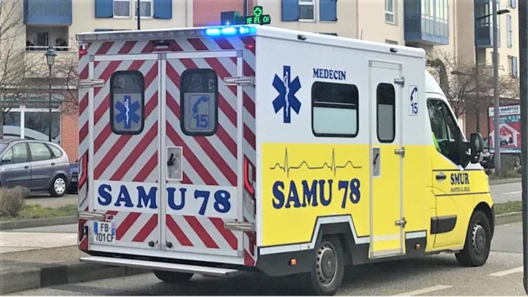 La victime, un homme de 29 ans, a reçu les premiers soins d'urgence sur place avnt d'être héliporté vers un hôpital de la région dans un état grave - Illustration © infoNormandie