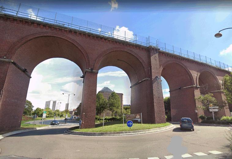 Le trentenaire a fait une chute de 25 mètres environ - Illustration © Google Maps