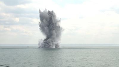 Les mines ont été détruites ce mardi 28 mai au larrge de Dieppe (Reportage photo  de la Marine nationale)