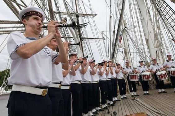 Le Bagad de Lann-Bihoué ouvrira le défilé de la Marine nationale mercredi à Rouen