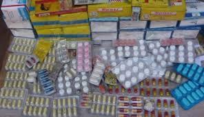 """Grande traque policière contre la vente de """"médicaments illicites et dangereux"""" sur Internet"""