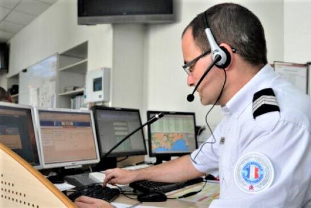 Des numéros de sustitution sont mis en place en cas de difficulté à joindre les centres d'appels d'urgence : 17 (police), 18 (pompiers), 15 (Samu) et 112