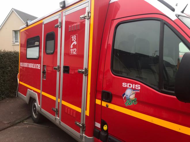 La victime a été prise en charge par les sapeurs-pompiers de l'Eure et transportée au CHU de Rouen - illustration @ infoNormandie