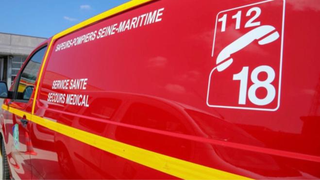 La jeune femme a été conduite au centre hospitalier de Dieppe - Illustration @ Sdis76