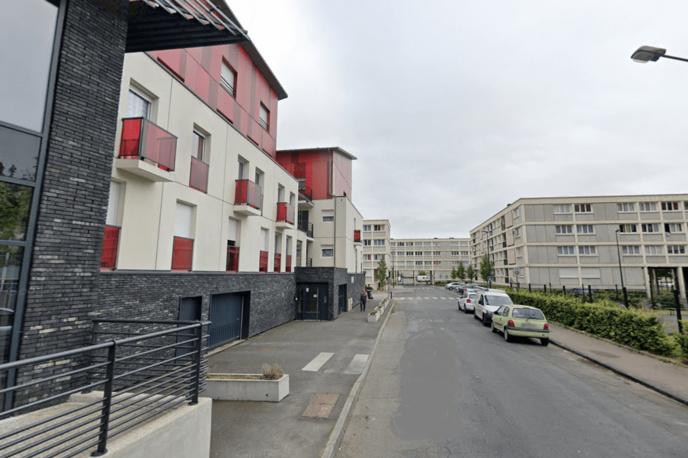 L'attention d'une passante a été attirée par la fumée sortant d'une fenêtre d'un appartement avenue du Clairval - Illustration © Google Maps