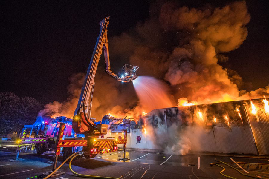 Le foyer principal a été éteint après trois heures d'efforts des sapeurs-pompiers - Photo @ SDIS76