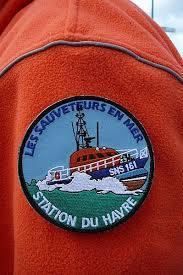 Voie d'eau sur un navire de pêche à l'entrée du chenal de Rouen