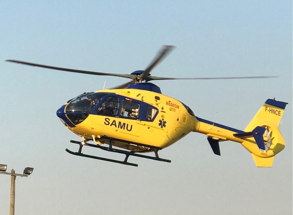 Le motard a été transporté, médicalisé, par l'hélicoptère du SAMU 76  au CHU de Rouen - Illustration © infoNormandie