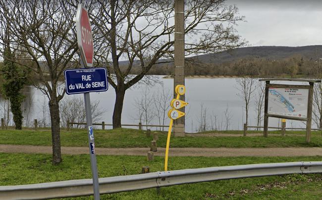 Le drame s'est produit dans un étang de la base de loisirs du Val de Seine - Illustration © Googles Maps