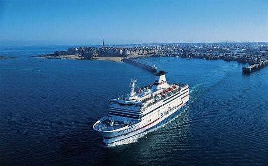 Le ferry Bretagne a une capacité d'accueil de 2050 passagers