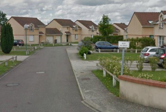 Les faits sont survenus dans cette résidence pavillonnaire située en bordure de la rue des Andelys (@Google Maps)