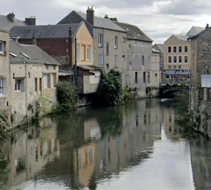 Seine-Maritime : suspicion de pollution à la surface de la Lézarde à Harfleur