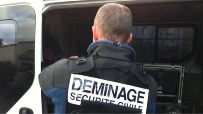 La valise suspecte a été neutralisée par les démineurs venus de Caen - Illustration