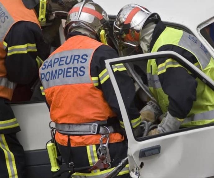 Le conducteur, blessé grave, a été désincarcéré par les sapeurs-pompiers - illustration