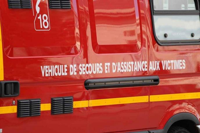 Les deux victimes, légèrement intoxiquées par les fumées ont été transportées par les sapeurs-pompiers au CHU de Rouen - Illustration © Adobe