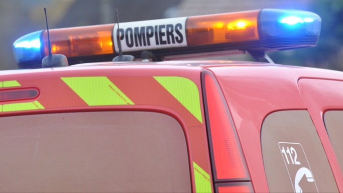 Dix sapeurs-pompiers et quatre engins sont intervenus sur le lieu de la collision, ce matin - Illustration © infoNormandie