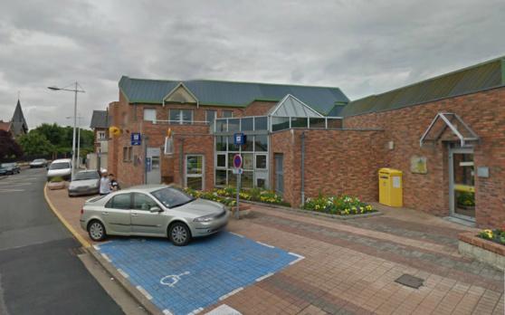 Le bureau de poste de Grand-Couronne est situé 7, rue du 11 Novembre (@Google Maps)