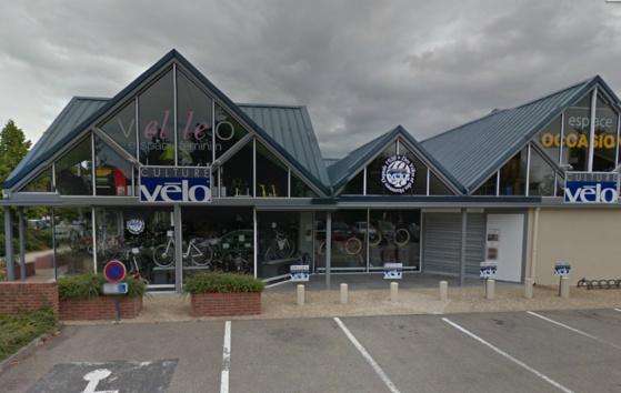 Les cambrioleurs ont fracturé une porte latérale du magasin de cycles Georget (@Google Maps)