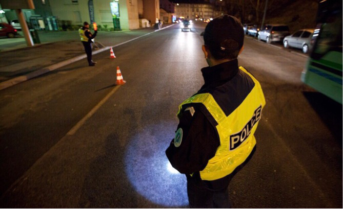 Le pilote du scooter a refusé de s'arrêter au contrôle de police - Illustration