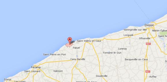 Le voilier a été retrouvé toutes voiles dehors, feux de navigation allumés et sans personne à bord à Veulettes-sur-Mer