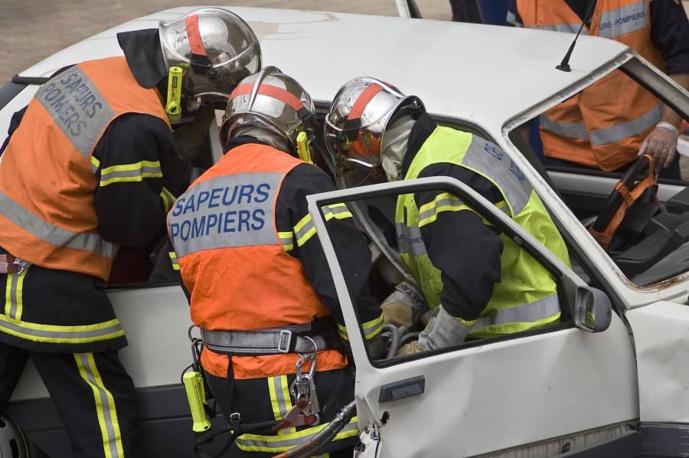 La conductrice, blessée, était piégée dans son véhicule - Illustration