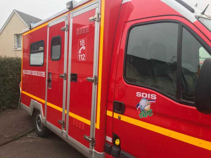 Six véhicules de secours et d'assistance aux victimes (VSAV) ont été nécvessiares pour transporter les blessés vers différents hôpitaux - Illustration © infoNormandie