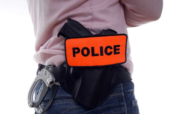 C'est un témoin qui a prévenu la police de la présence de deux consommateurs de stupéfiants dans l'immeuble - illustration