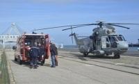 Le marin a été pris en charge par les pompiers et transporté à l'hôpital de Cherbourg (Photo Marine nationale)
