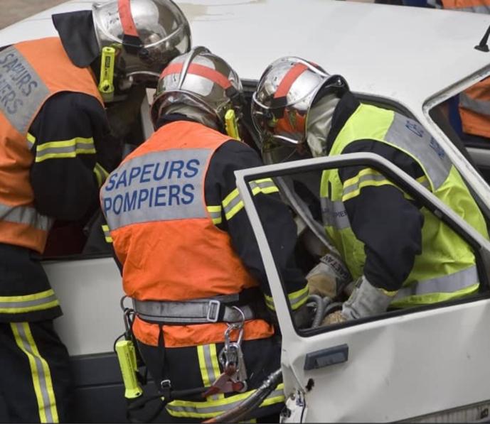 L'une des victimes a été désincarcérée par les sapeurs-pompiers - illustration