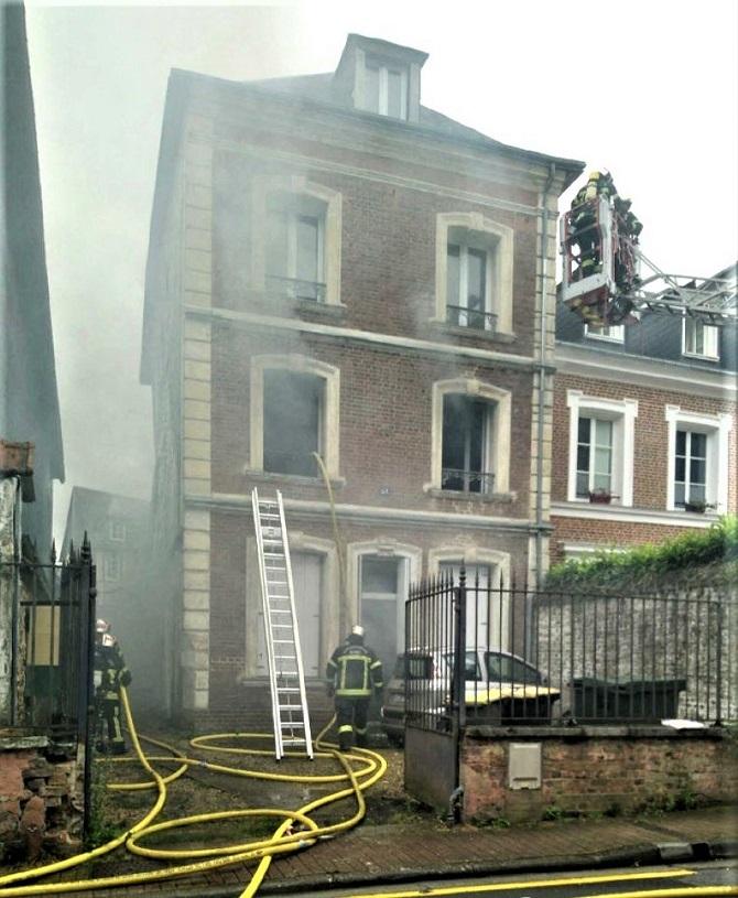 Le sexagénaire occupait l'appartement du rez-de-chaussée où l'incendie s'est déclaré - Photo © DR