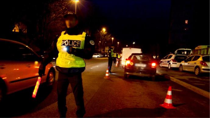 L'automobiliste a pris la fuite à la vue des policiers qui voulaient le contrôler - illustration
